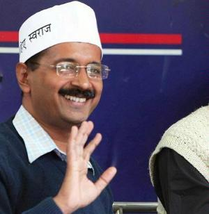 Kejriwal threatens to 'go to any extent' over Jan Lokpal Bill