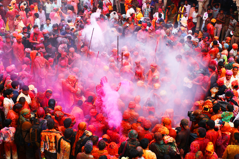 Enjoy Holi Bash 2015 With Fervour!