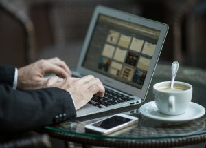 How Guest Blogging Builds Your Audience?