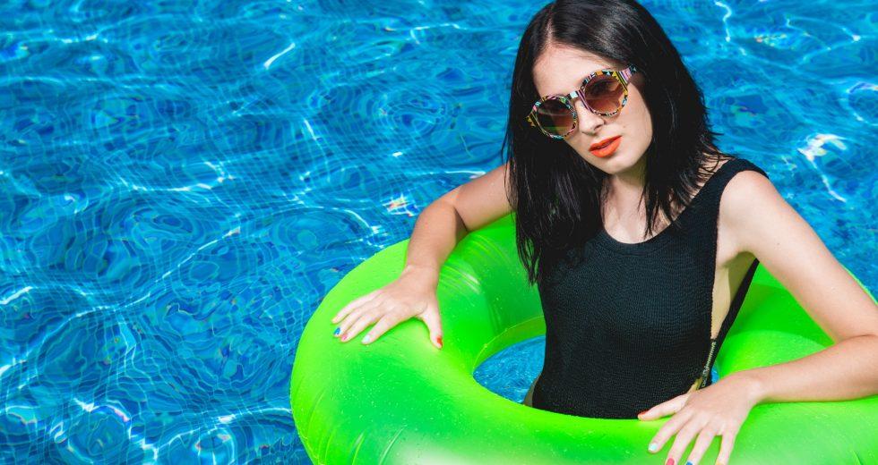 Your Guide To Choosing Women's Swimwear For The Beach